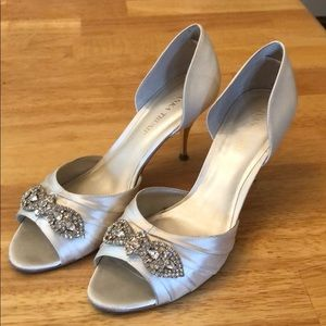 Shoes - Ivory satin wedding shoes w/rhinestones. Gorgeous!